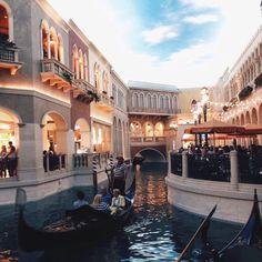 Vegas - pinterest ↠ @superduperpaige