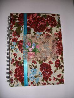 decorar sustentável: Caderno encapado com tecido.