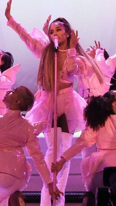 Ariana Grande performing on her Sweetener World Tour 2019 Grandes Photos, Ariana Grande Sweetener, Dangerous Woman Tour, Ariana Grande Wallpaper, Ariana Grande Pictures, Bae, Queen, Thank U, Role Models