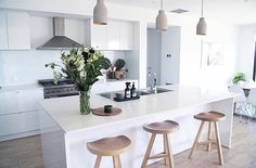 Immy and Indi is is an Australian homewares store dedicated to sourcing the best Scandinavian style homewares to decorate your home. Home Decor Kitchen, Kitchen Interior, Interior Design Living Room, Home Kitchens, Kitchen Dining, Modernisme, Sweet Home, Layout, Scandinavian Style