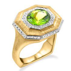 Oval Peridot and Diamond Ring Custom Made Engagement Rings, Bastilla, Gold Texture, Peridot, Birthstones, Wedding Bands, Fine Jewelry, Ornaments, Diamond