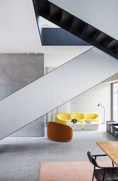 VIPP Chimney House de Studio David Thulstrup | Pièces d'habitation U Shaped Staircase, Pierre Paulin, Terrazzo Flooring, One Bedroom, Loft, Danish Design, Architecture, Minimalist Design, Design Projects