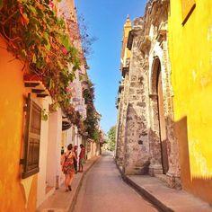 Por las calles de Cartagena, Colombia.   #travel