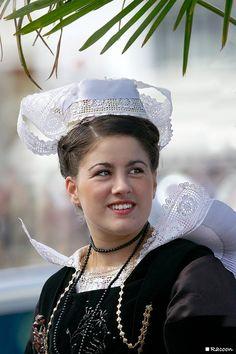 Costume du pays de Fouesnant  France