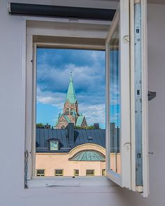 1,058 vind-ik-leuks, 4 reacties - Stockholm Instagram (@stockholm_insta) op Instagram: 'Sofia kyrka ❤️ Want to wake up to this view every morning? Beautiful Södermalm penthouse for sale,…'