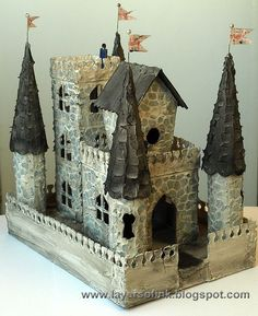 Hello everyone! I have a fun Sizzix tutorial to share with you today. When I made my Tall Grungy Houses a few weeks ago, they got me thinking about making a fairy tale castle using my Sizzix dies. I k