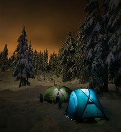 Snow Camping by PeteG Photos, via Flickr NO BUGS! NO SWEAT!  NO TOURISTOS!