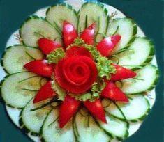 Ideas For Fruit Platter Display Recipe Veggie Art, Fruit And Vegetable Carving, Fruit Decorations, Food Decoration, Food Design, Deco Fruit, Veggie Platters, Creative Food Art, Food Carving