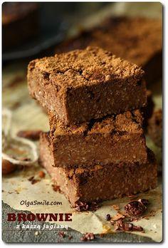 Brownie z kaszą jaglaną i masłem orzechowym Healthy Cake, Healthy Sweets, Healthy Baking, Baby Food Recipes, Cake Recipes, Cooking Recipes, Brownies, Foods With Gluten, Food Cakes