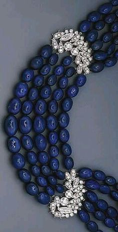 Broach neckpiece