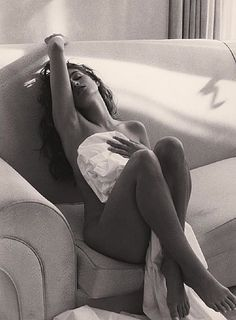 #boudoir -Cindy by Herb Ritts