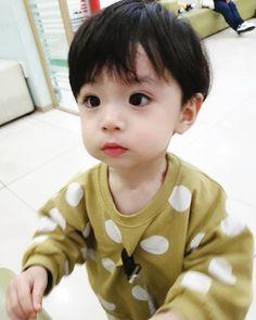 Cute Baby Boy, Cute Little Baby, Cute Baby Clothes, Little Babies, Cute Kids, Baby Kids, Cute Asian Babies, Korean Babies, Asian Kids