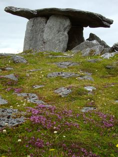 Six thousand year old megalithic tomb, one of the oldest monuments in the world, Poulnabrone Dolmen, County Clare, Ireland