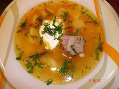 Ciorba de vitel Supe, Romanian Food, Goulash, Soul Food, Thai Red Curry, Food To Make, Food And Drink, Cooking, Ethnic Recipes