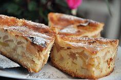 Tarta frantuzeasca de mere Romanian Desserts, Romanian Food, Romanian Recipes, Healthy Desserts, Dessert Recipes, Food Porn, Something Sweet, Apple Recipes, Apple Pie