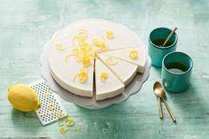 Limoncello-kwarktaart met cantuccinibodem Lemon Desserts, Lemon Recipes, Sweet Recipes, Baking Recipes, Cake Recipes, Big Cakes, Home Baking, Pie Dessert, High Tea