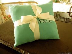 Tiffany Pillow by Linda by Chameleon Interiors, via Flickr.  Cute idea!