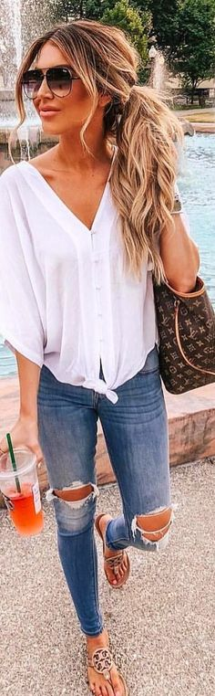 10+ Lovely Outfit Ideas To Finish This Summer With Style 1ddb1548fd2
