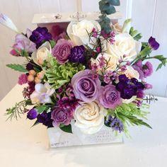 White & Purple #makingpeoplehappy #aranjamenteflorale #instaflowers🌸🌺🌼 #flowersmakemehappy🌸 #flowersbygeo #flowers #floraldesign