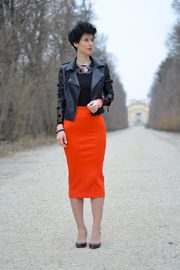 Pencil skirt added by Beeswonderland