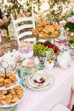 Won't you join me for a cup of tea? Kara's Party Ideas has a gorgeous and ethereal Vintage Tea Party with tons of ideas to use your Cricut! Party Vintage, Vintage Tea Parties, Fairy Tea Parties, Girls Tea Party, Fairy Tea Party Food, Tea Party Foods, Tea Party Cupcakes, Garden Parties, Afternoon Tea Party Decorations