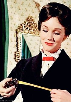 Julie Andrews Mary Poppins, Walt Disney Pictures, Dream Doll, Movies, Dolls, Board, Baby Dolls, Films, Puppet