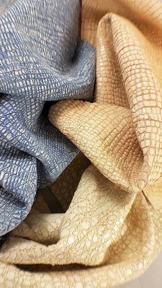Printed cocco / tejus leather hide. A138 di LAGARZARARA su Etsy