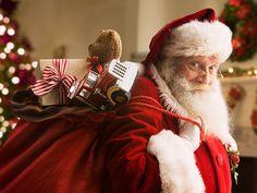 """Jak mówi popularne polskie powiedzenie – """"co kraj, to obyczaj"""" i w kontekście tradycji bożonarodzeniowego świętego, który przynosi grzecznym dzieciom wymarzone upominki jest to jak najbardziej adekwatne przysłowie. Podczas gdy jedni obchodzą Mikołajki i wyczekują pędzącego na saniach prowadzonych przez renifery brodatego dziadka – świętego Mikołaja, inni wypatrują z niecierpliwością Gwiazdora."""