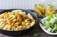 Fresh Rigatoni with Butternut Squash Low Carb Recipes, Vegetarian Recipes, Cooking Recipes, Delivery Menu, Meal Prep For The Week, Butternut Squash, Parmesan, Family Meals, Good Food