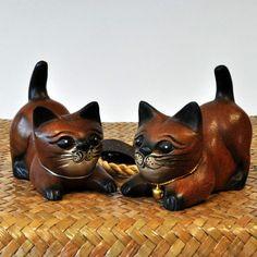 Figur Holzfigur Katze liegend 1 Paar