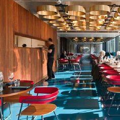 Barbican Foodhall, em Londres. Projeto do escritório SHH. #bar #bares #cafe #coffee #cafes #encontro #meeting  #encontros  #interior #interiores #artes#arts #art #arte #decor #decoração #architecturelover #architecture #arquitetura #design #projetocompartilhar  #davidguerra #shareproject #barbican #londres #london #shh