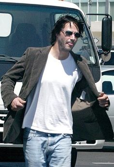 Keanu Reeves - See this image on Photobucket.