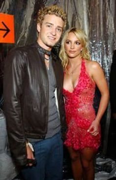 I can't even #britneyspears #britney #spears #2000 Famous Celebrities, Famous Women, Celebs, Famous People, Britney Spears Justin Timberlake, Britney Spears Pictures, Deer Costume, American Music Awards, Prom Dresses