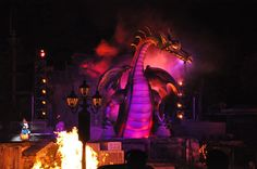 Malificient Audio-Animatronic Dragon in Fantasmic at Disneyland. Oh, how I love this show!
