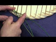 Ausschnitt aus Workshop für Peddigrohrarbeiten Rand flechten - YouTube