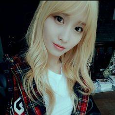 How can someone be so cute!!!!!!!!!!! #momo #twice #sana #naeyeon #dahyun #mina #jeongyeon #jihyo #chaeyoung #kpoplover #kpop #kpop4life