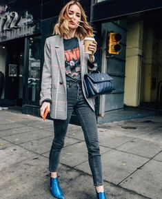 Fall Street Style Outfits to Inspire Fall street style fashion / Fashion week Fashion Mode, Fashion Week, Look Fashion, Womens Fashion, Fashion Trends, Fashion Ideas, Street Fashion, Feminine Fashion, Ladies Fashion