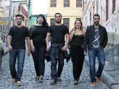 Os reis da noite: Pablo Falcão, Suzana Trajano, Marcio Lima, Dani Vieira e Armando Babaioff (Foto: Divulgação)