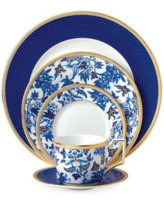 Vintage China Wedgwood Blue Hibiscus Collection - An intricate pattern set against an oriental blue tone or botanicals and lined with a gold border leaves a sophisticated finish on this place setting from the Wedgwood Hibiscus collection. Blue Hibiscus, Gold Highlights, China Sets, China Plates, China China, China Girl, Blue Plates, Dinner Sets, China Patterns