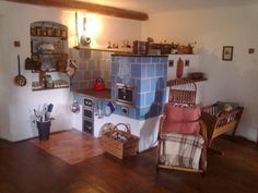 Kachľové pece a sporáky, ktoré sú dominantou vidieckych kuchýň Wood Fired Oven, Firewood, Liquor Cabinet, Storage, Kitchen, Hearths, Furniture, Ovens, Home Decor