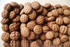 Píďák.cz - Recept - Křehké KOKA sušenky Y Recipe, Food Dishes, Sweet Recipes, Candy, Cookies, Baking, Detail, Christmas, Hampers