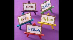 Popsicle stick easels: idea for a kids art themed party, or paint them all a darker colour and use them for place setting at a dinner party Or make yourself some and display some actual small art pieces Popsicle Stick Crafts, Popsicle Sticks, Craft Stick Crafts, Crafts For Kids, Popsicle Party, Art Birthday, Birthday Parties, Birthday Table, Wedding Parties