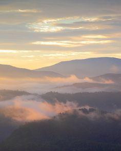 Sunrise, Great Smoky Mountains National Park, Tennessee © Doug Hickok