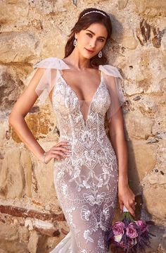 Mia Bella Couture offers the best selection of Bridal gowns in Fresno, CA and San Diego, CA. We also offer custom design bridal gowns and bridesmaids. Fitted Wedding Gown, Custom Wedding Dress, Sexy Wedding Dresses, Bridal Dresses, Wedding Gowns, Boho Wedding, Wedding Ideas, Selfies, Charo Ruiz