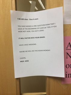 Class attendance had been declining sharply at this am class. What do you think of what this professor did? College Humor, School Humor, Funny College, Funny Road Signs, Stay In Bed, S Class, Weekend Fun, Funny Cards, College Students