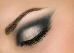 maquiagem para olhos pequenos chique