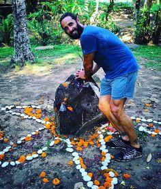 Recharging the batteries #recharging #crystals #smokeyquartz #healingcrystals #power #naturalpower #makeawish #manifest #digitalnomad #wanderlust #viptravel #laptoplifestyle #greenschool #bali #invigoratedliving