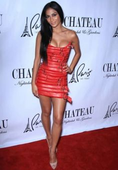 Nicole Scherzinger Looks Fierce In A Strapless Leather Buckle Dress At The Labour Day Weekend Party In Las Vegas, 2011 Sexy Outfits, Sexy Dresses, Nichole Scherzinger, Evolution Of Fashion, Great Legs, Hot Brunette, Sexy Legs, Sexy Women, Hollywood