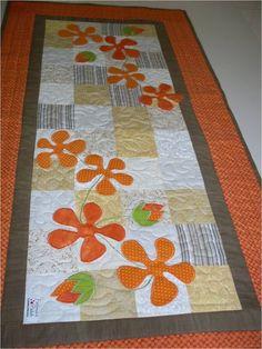Caminho de mesa em patchwork                                                                                                                                                                                 Mais