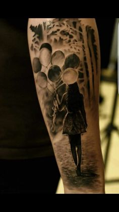 Tattoo Be Yourself Frau mit Luftballons